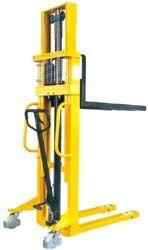 BSDJ-1025 1 tonna 2,5 méter hidraulikus 2 év garanciával! Kézi raklapemelő targonca 1000 kg teherbírás 2500 mm emelés. Csak 184 cm magas!