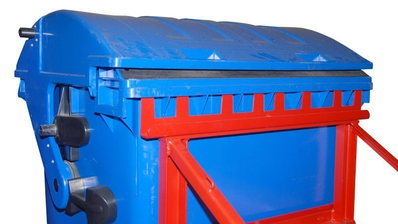 MGB hullladékgyüjtő konténer emelő továbbító adapter 1100 literes konténerhez. Targonca villára húzható szemetes konténer emelő szerkezet